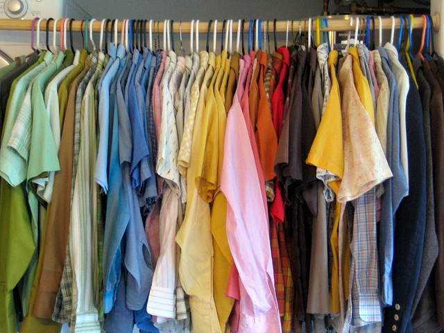 5 ways to get the most out of your wardrobe in college How to organize clothes without a closet